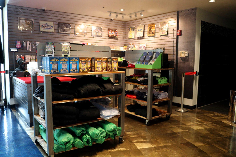 shopping retail stores boutiques batavia downs gaming hotel ny